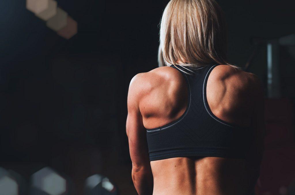女性も筋力トレを始めるべき理由と効果┃筋肉は簡単に大きくなったりしない!