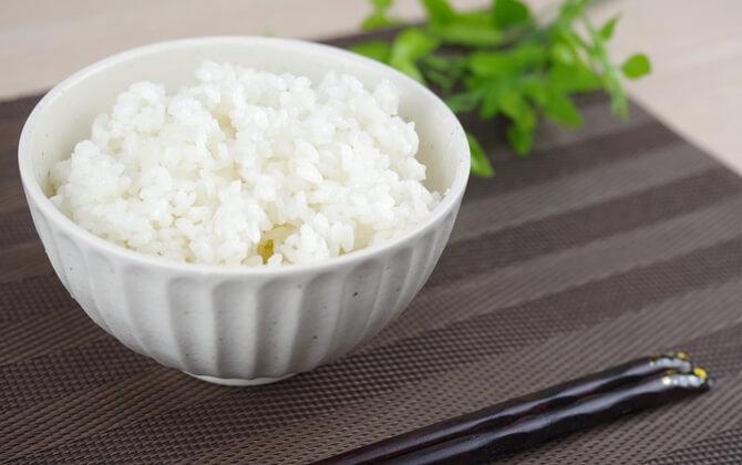 1日にどれくらいの糖質とタンパク質が必要か?