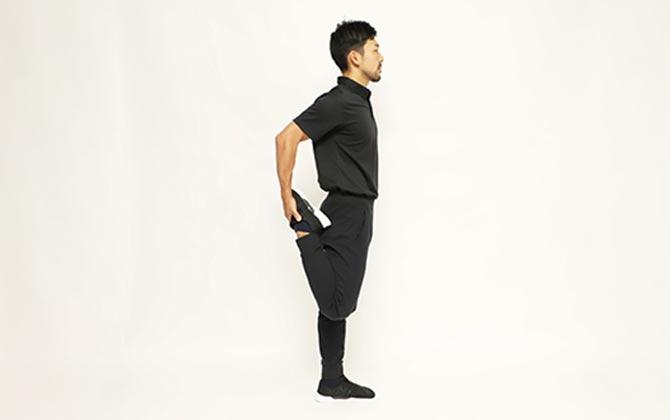 大腿四頭筋のストレッチ(立位)