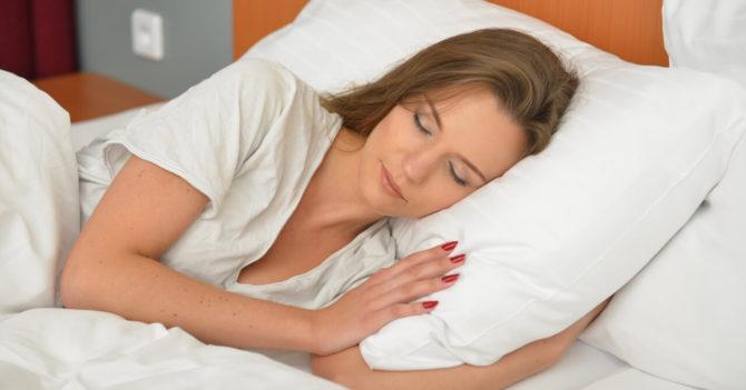 寝違えの原因と予防・対策について
